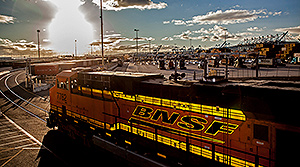 BNSF picks up freight from largest container vessel ever to visit U.S.